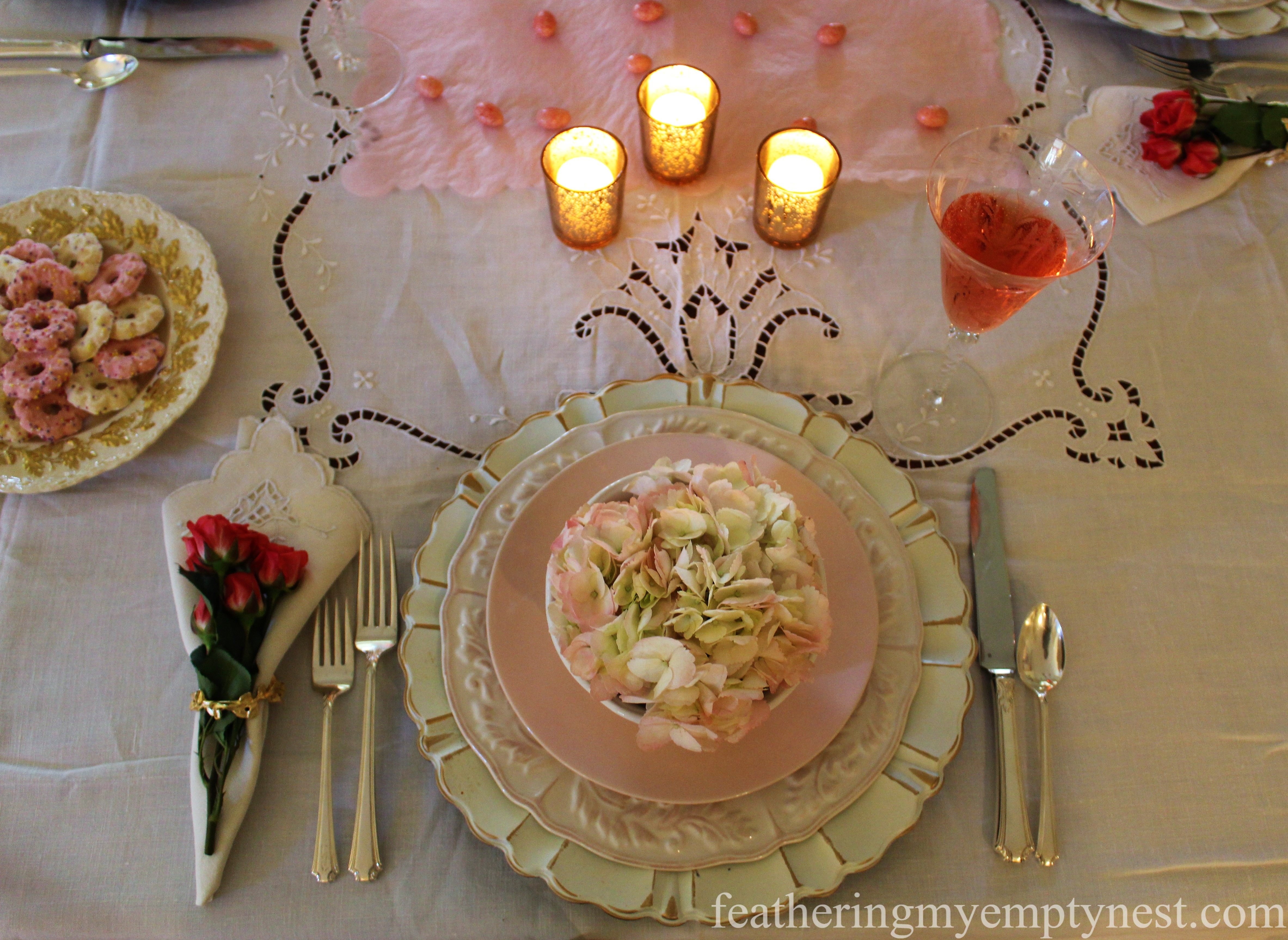 Valentine's table setting --How To Use The Language Of Flowers To Create A Blooming Valentine's Dinner