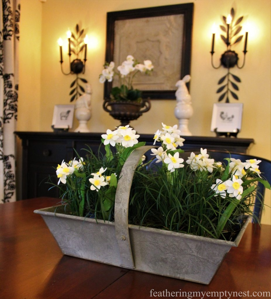 Spring table centerpiece --How to Create A Live Centerpiece For Your Spring Table