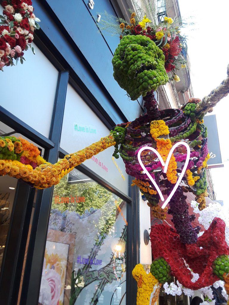 Kiehl's mum covered skeleton --Chelsea In Bloom: 2018 Chelsea Flower Show Part 1