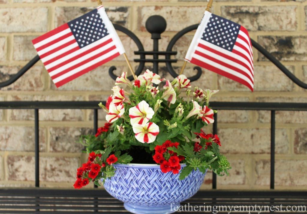 A blue mixing bowl serves as a patriotic planter--Last Minute Memorial Day Decorations