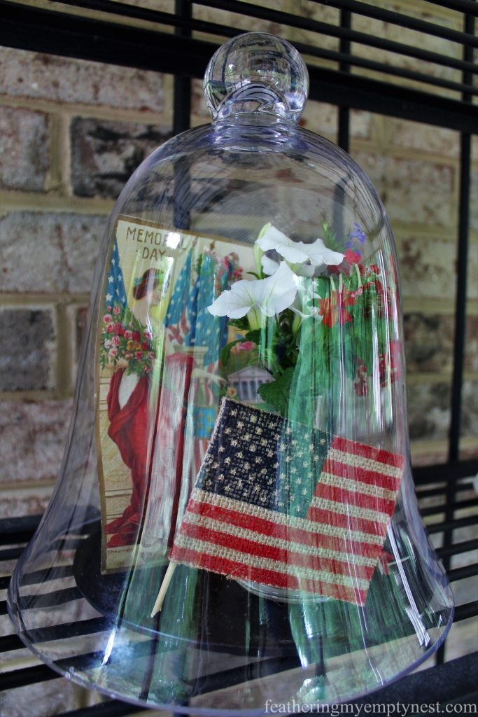 Patriotic vignette under a glass cloche--Last Minute Memorial Day Decorations