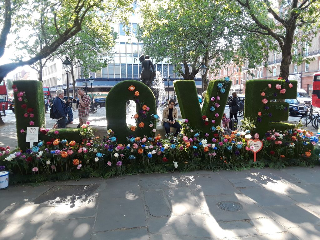 Sloane Square public participation floral display --Chelsea In Bloom: 2018 Chelsea Flower Show Part 1