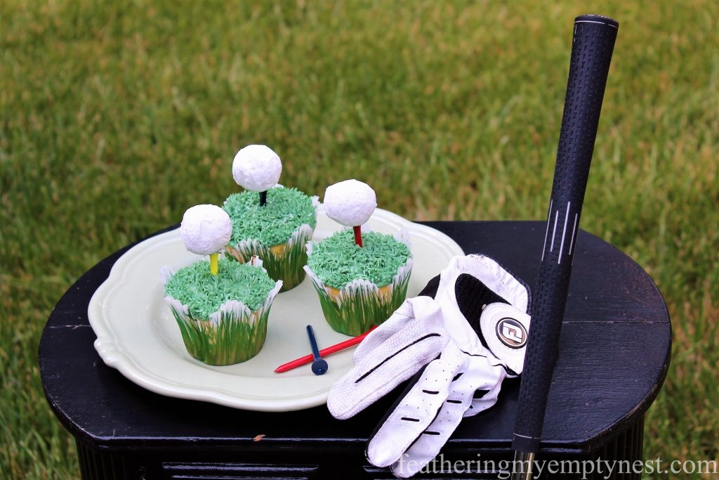 Off The Tee Easy Father's Day Cupcakes