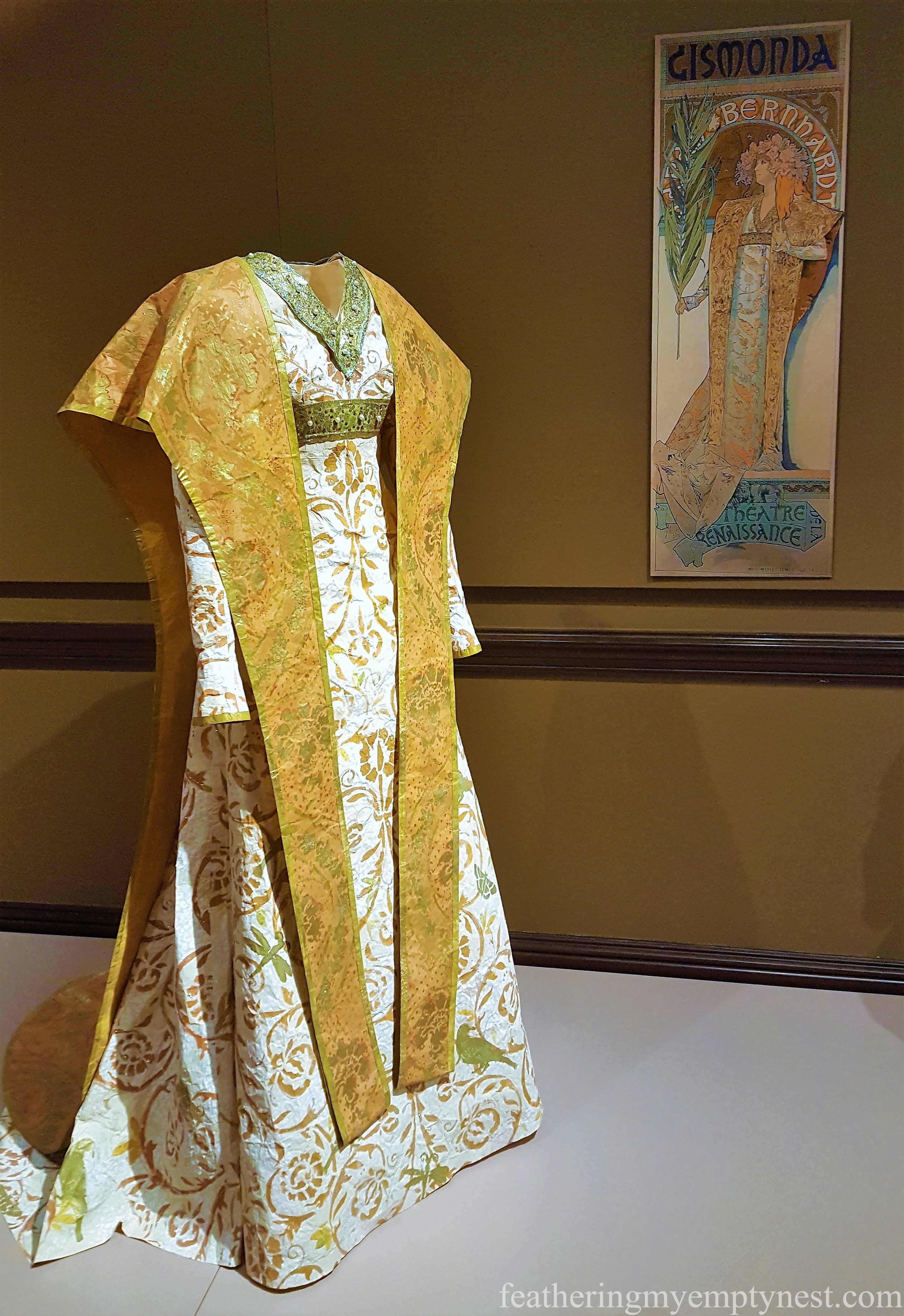 Isabelle de Borchgrave paper sculpture dress --Astonishing Paper Art Fashions