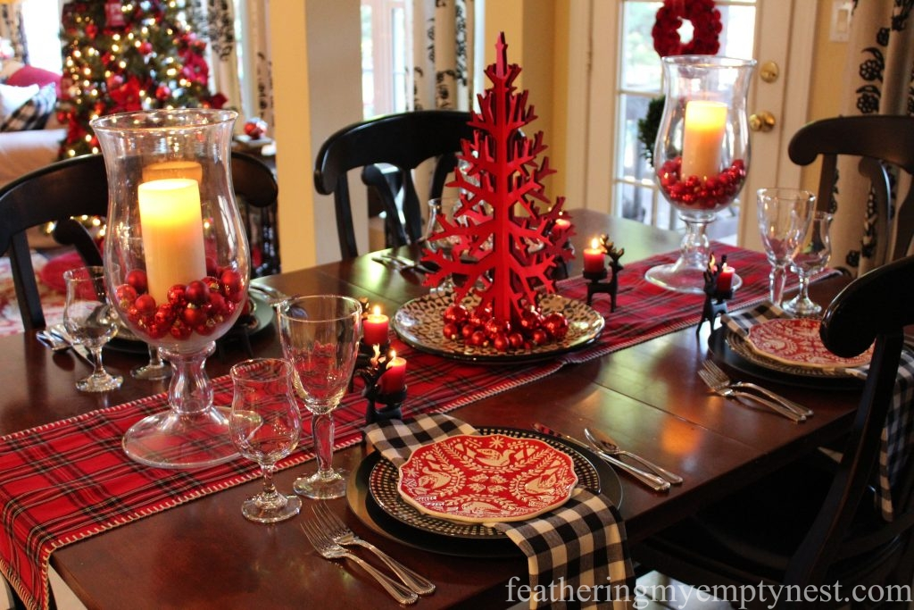 Light the candles and your ready to celebrate Christmas Eve around this fun and festive Casual Christmas Table.
