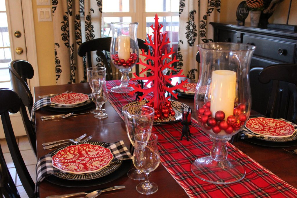Red and black Casual Christmas Table