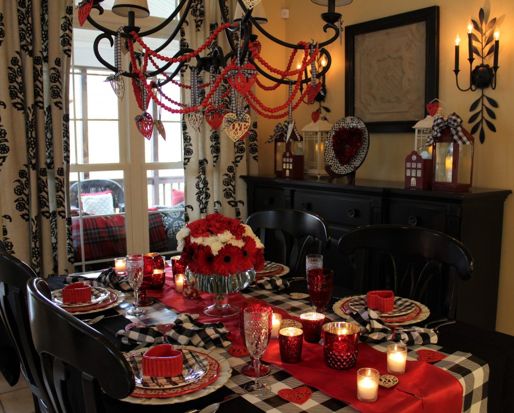 How to create a fun festive Valentine's table with a bonus special dinner menu.